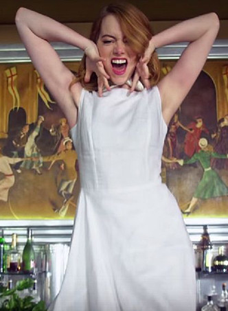 Эмма Стоун в клипе Anna