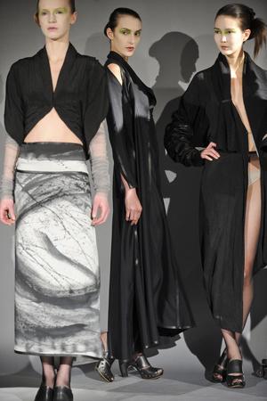 Показ Atelier Gustavo Lins коллекции сезона Весна-лето 2011 года haute couture - www.elle.ru - Подиум - фото 216124