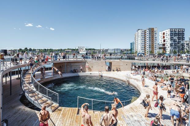 Гавань-бассейн Бьярке Ингельса в Дании (фото 4)