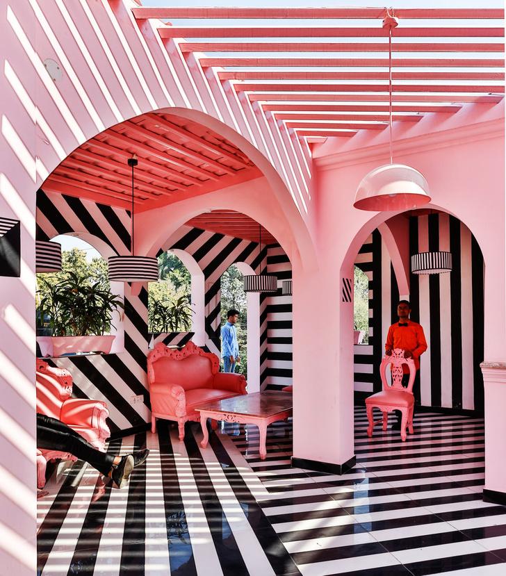 The Pink Zebra: ресторан в эстетике Уэса Андерсона (фото 5)