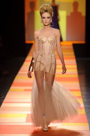 Показ Jean Paul Gaultier коллекции сезона Весна-лето 2013 года Haute couture - www.elle.ru - Подиум - фото 480661
