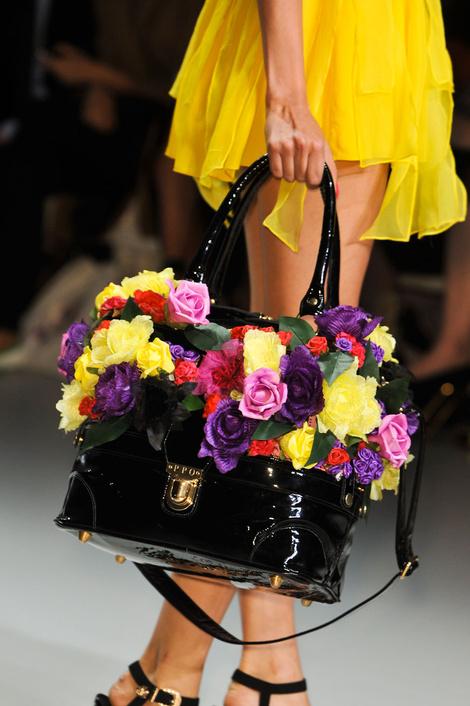 Лучшие сумки с показов Недели моды в Лондоне
