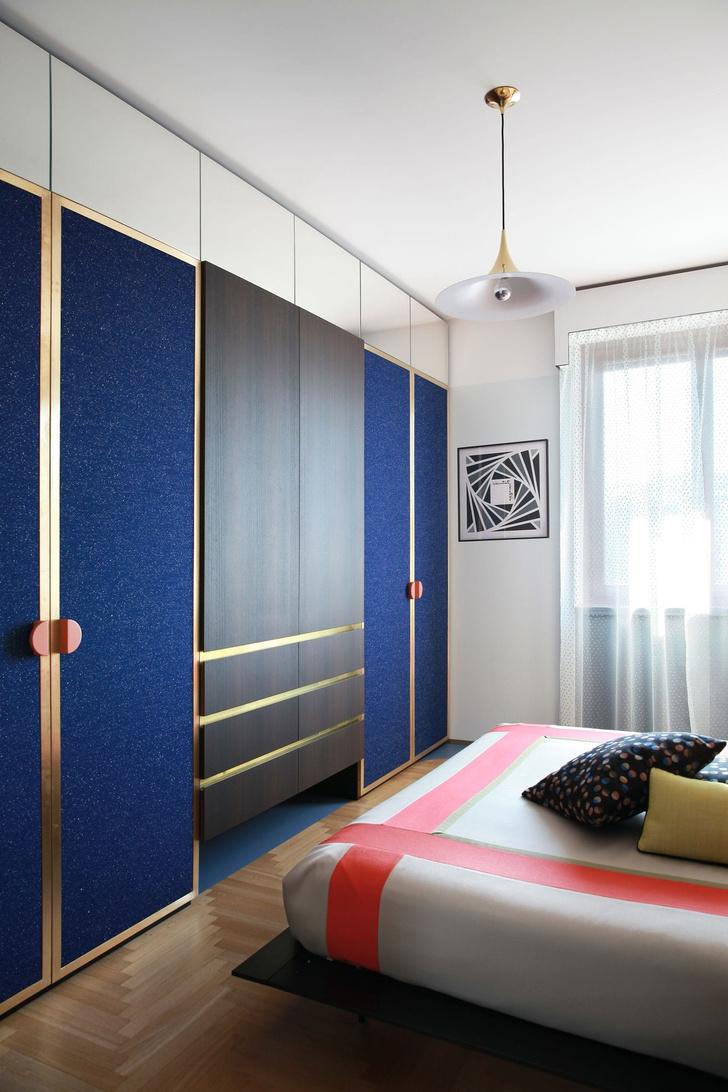 Переливы мрамора: необычный интерьер миланской квартиры (фото 11)