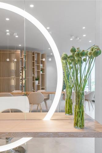 Белым по белому: новый салон красоты в Екатеринбурге (фото 10.1)