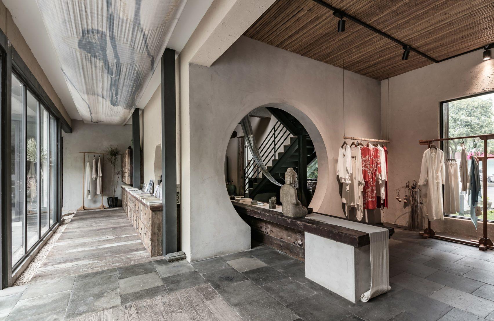 Брутальный офис и бутик в Шанхае   ELLE Decoration 22abde9164e