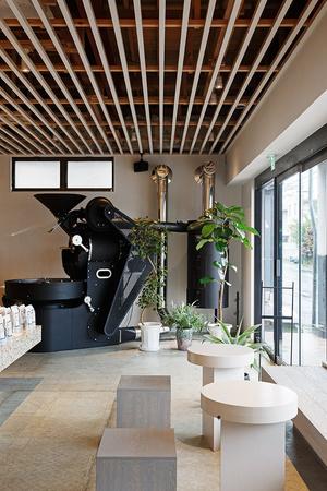 Аскетичное кафе в Японии (фото 5.1)