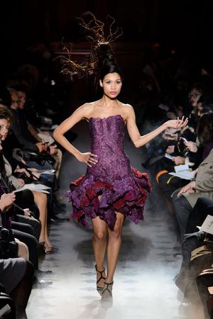 Показ Franc Sorbier коллекции сезона Весна-лето 2015 года haute couture - www.elle.ru - Подиум - фото 593403