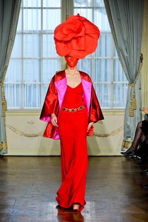 Показ Alexis Mabille коллекции сезона Весна-лето 2012 года Haute couture - www.elle.ru - Подиум - фото 330163
