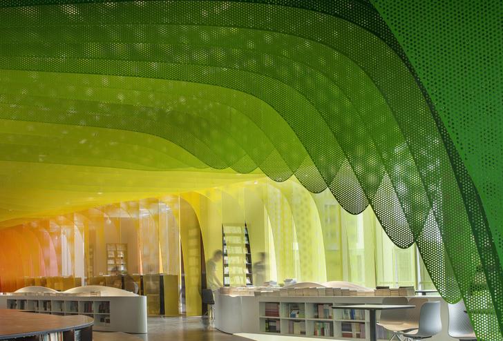 Радужный книжный магазин в Китае (фото 2)
