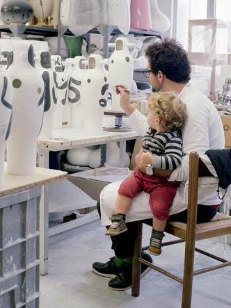 Чьи художества? Рисунки и арт-объекты Хайме Айона (фото 4.1)