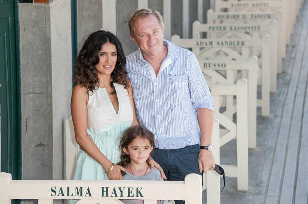 Сальма Хайек и Франсуа-Анри Пино с дочерью Валентиной