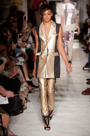 Показ Fashion East коллекции сезона Весна-лето 2013 года prêt-à-porter - www.elle.ru - Подиум - фото 427169