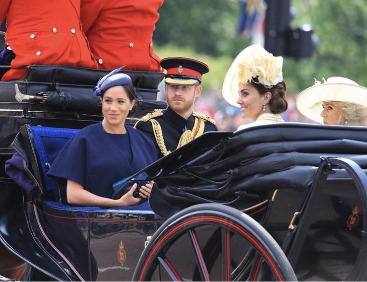 Прощай, королева: 30 лучших выходов Меган Маркл в качестве члена монаршей семьи (фото 73)