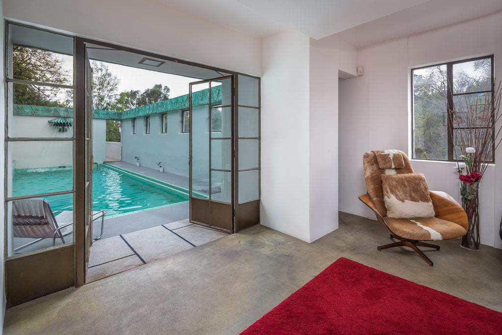 «Дом Самуэля-Новарро» по проекту Ллойда Райта вновь выставлен на продажу (галерея 7, фото 1)