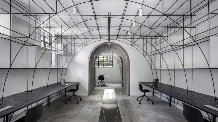 Монохромный офис в Шанхае (фото 0)