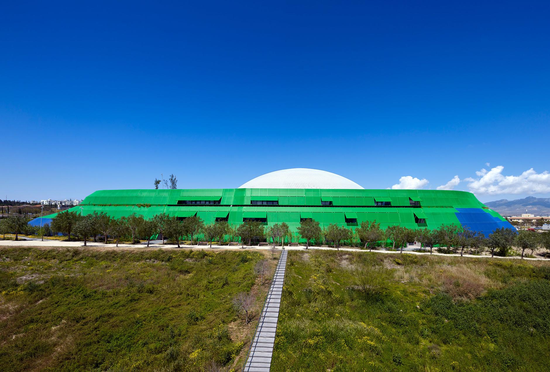 Яркая библиотека по проекту Жана Нувеля (галерея 14, фото 5)