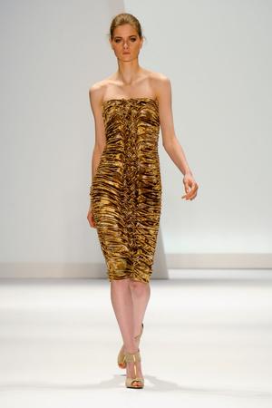 Показы мод Carlos Miele Осень-зима 2011-2012 | Подиум на ELLE - Подиум - фото 2377