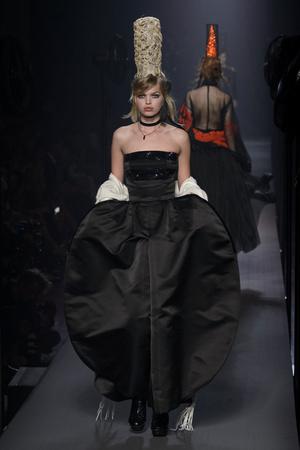 Показ Jean Paul Gaultier коллекции сезона Осень-зима 2015-2016 года Haute couture - www.elle.ru - Подиум - фото 597238