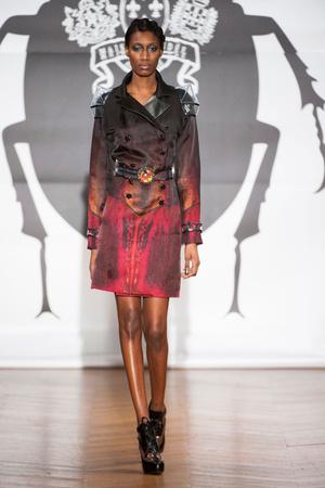 Показ On Aura Tout Vu коллекции сезона Весна-лето 2013 года Haute couture - www.elle.ru - Подиум - фото 480252