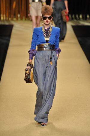 Показ Louis Vuitton коллекции сезона Весна-лето 2009 года prêt-à-porter - www.elle.ru - Подиум - фото 85577