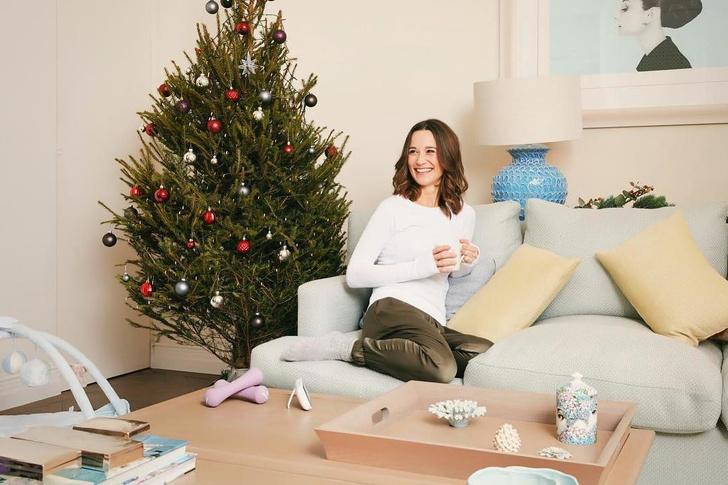 Счастливая мама: Пиппа Миддлтон в рождественской съемке у себя дома (фото 1)