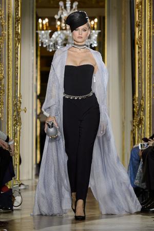 Показ Ulyana Sergeenko коллекции сезона Весна-лето  2016 года Haute couture - www.elle.ru - Подиум - фото 603025