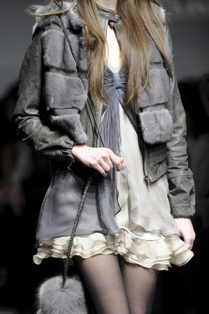 Показ Simonetta Ravizza коллекции сезона Осень-зима 2011-2012 года prêt-à-porter - www.elle.ru - Подиум - фото 257000