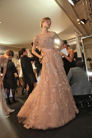 Показ Elie Saab коллекции сезона Весна-лето 2011 года Haute couture - www.elle.ru - Подиум - фото 217957