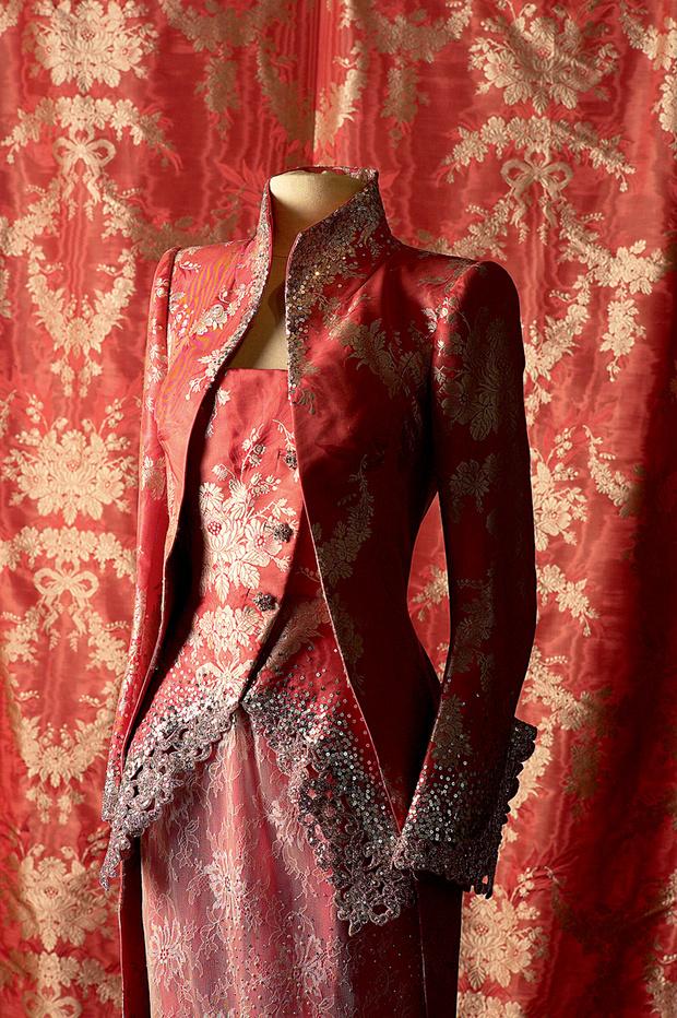 Костюм из ателье Prelle, специализирующегося на тканых деталях нарядов haute couture