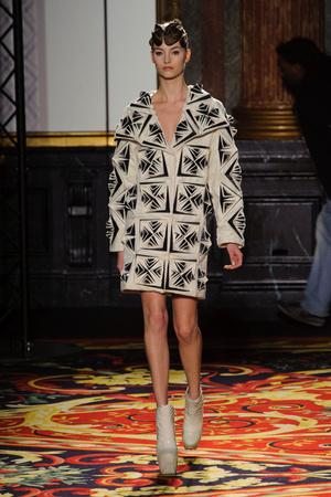 Показ  коллекции сезона Весна-лето 2013 года Haute couture - www.elle.ru - Подиум - фото 477485