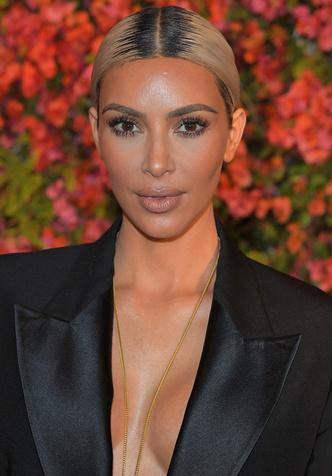 Ким Кардашьян заработала $10 млн. за первый день продаж нового аромата фото [3]