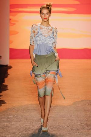 Показ Jen Kao коллекции сезона Весна-лето 2012 года prêt-à-porter - www.elle.ru - Подиум - фото 293808