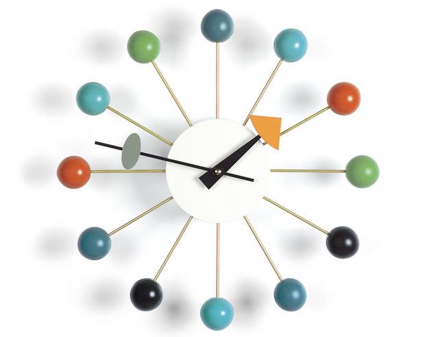 Успеть до полуночи! Дизайнерские настенные часы к Новому Году (фото 9)