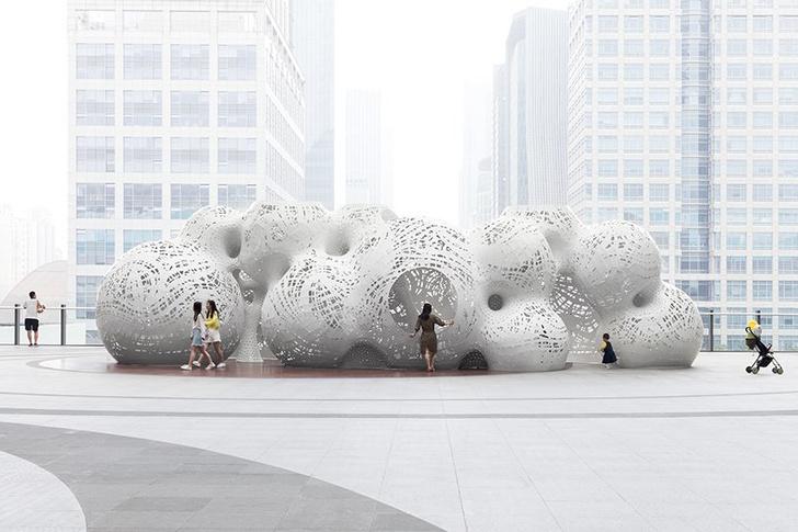 Ажурные пузыри украсили площадь в Китае (фото 0)