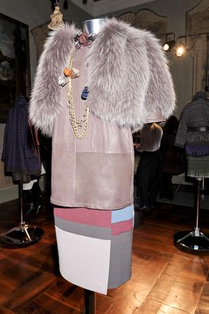 Показы мод Maurizio Pecorario Осень-зима 2011-2012 | Подиум на ELLE - Подиум - фото 2242