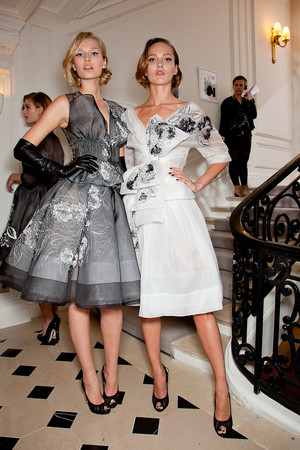 Показ Christian Dior коллекции сезона Весна-лето 2012 года Haute couture - www.elle.ru - Подиум - фото 330645