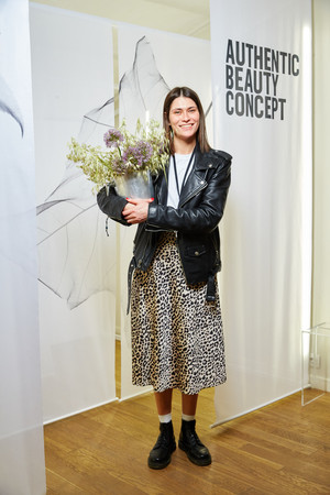 Саша Новикова, Дарья Лисиченко, Анна Ивченко и другие гости запуска марки Authentic Beauty Concept (фото 4.1)