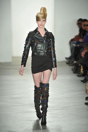 Показы мод Jeremy Scott Осень-зима 2010-2011 | Подиум на ELLE - Подиум - фото 2816