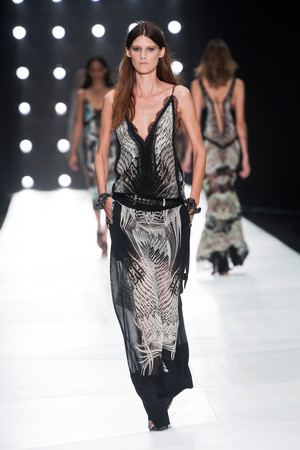 Показы мод Roberto Cavalli Весна-лето 2013 | Подиум на ELLE - Подиум - фото 1073