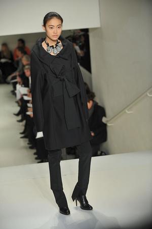 Показы мод Vera Wang Осень-зима 2009-2010 | Подиум на ELLE - Подиум - фото 3202