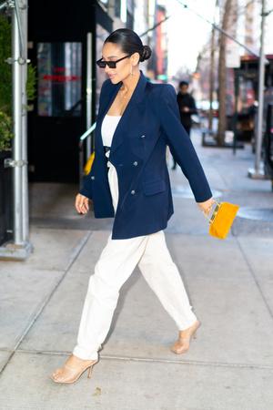 Винтаж + современность: разбираем образ актрисы Шей Митчелл (фото 2.1)