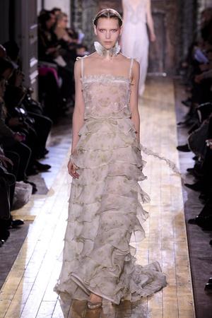 Показы мод Valentino Весна-лето 2011 | Подиум на ELLE - Подиум - фото 2452