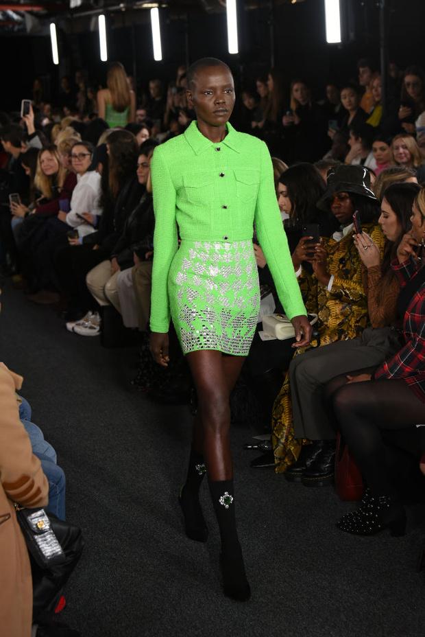 Черный – новый черный: показ David Koma на London Fashion Week (фото 19)