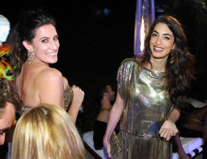 Образ дня: Амаль Клуни в винтажном платье Gianni Versace фото [3]