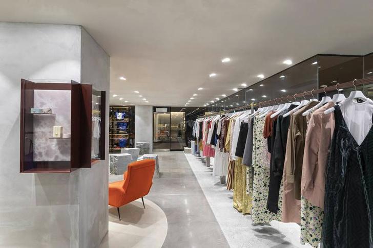 Яркий бутик одежды Plan C в Токио (фото 8)