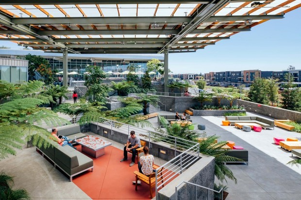 facebook expands its campus with additional frank gehry-designed building (фото 1)