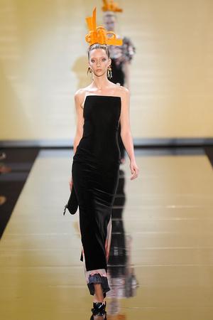 Показы мод Giorgio Armani Privé Осень-зима 2011-2012 | Подиум на ELLE - Подиум - фото 2105