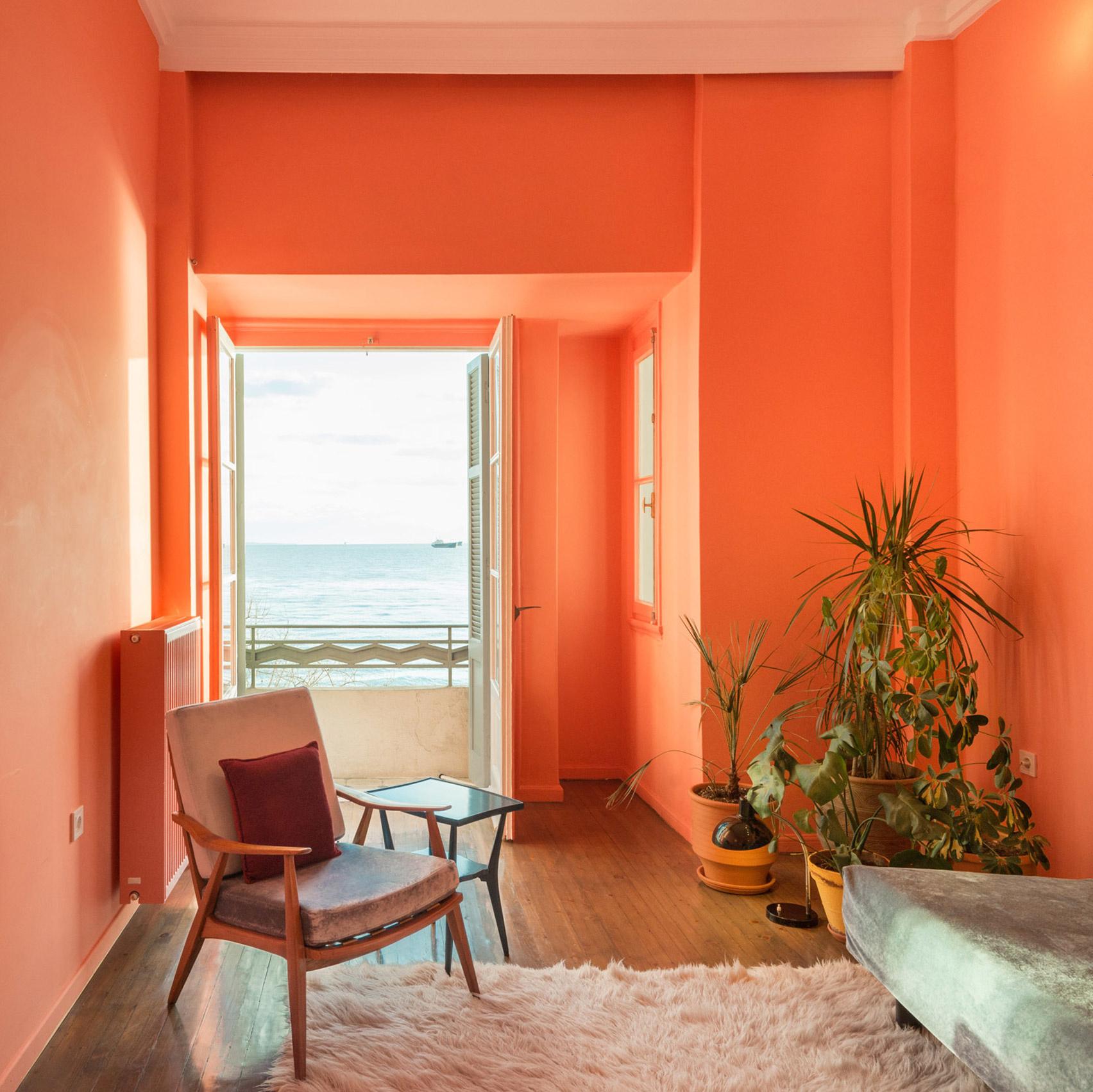 Коралловый цвет в интерьере: 20 ярких идей (галерея 0, фото 0)