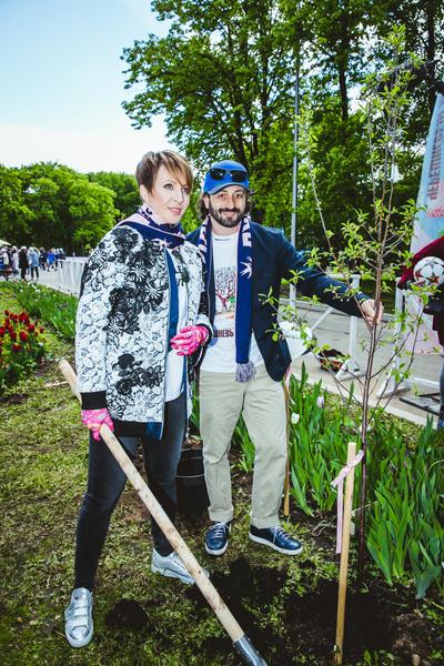 Посадка вишневых деревьев в рамках фестиваля «Черешневый лес» | галерея [2] фото [1]