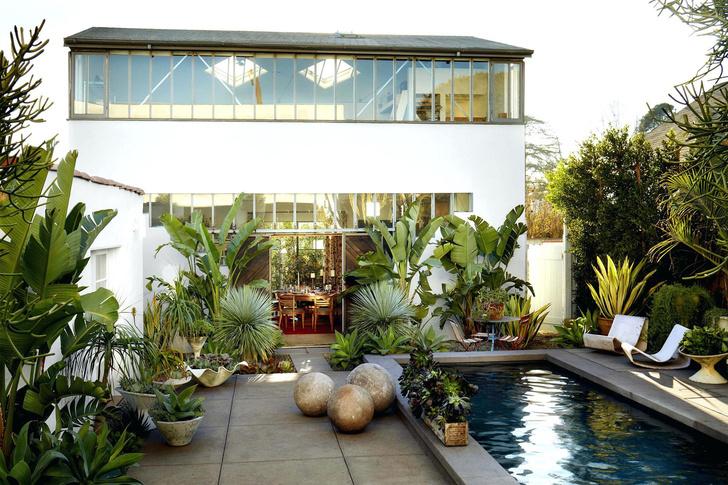 15 восхитительных проектов бассейнов для загородного дома (фото 0)